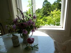 ハーブスタンド花のつぶやき