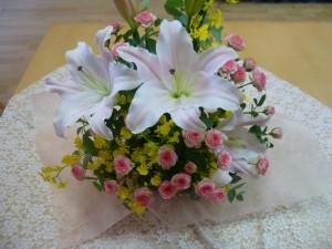 先月の事ですが・・・サロンは花に囲まれました